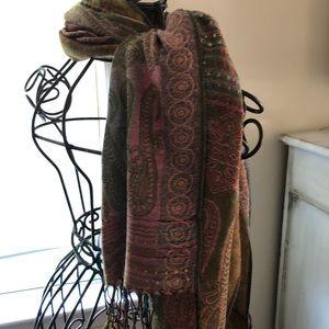 Accessories - Women's scarf - unique colors. Never worn